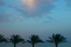 Dopo la pioggia e le nuvole che sormontato il mare.